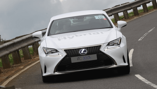 Lexus RC 300h test driving